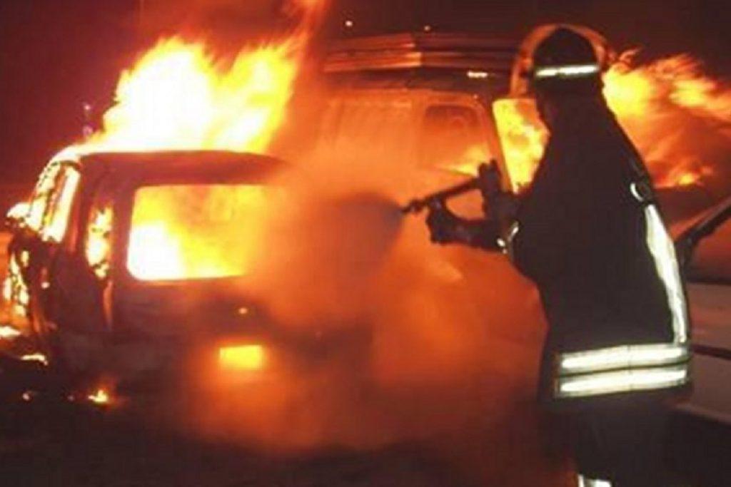 Via Russoli incendio auto