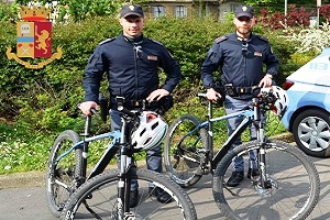 agenti ciclisti, polizia senegalese