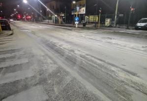 La strada s'imbianca per il bus Atm