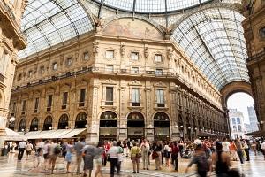 Negozi in Galleria: asta record per Fendi e Dior Galleria diffusi dati errati Galleria Vittorio Emanuele