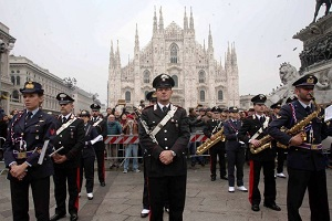 Forze armate in piazza Duomo