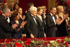 Prima della Scala lungo applauso per Mattarella