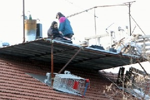 La polizia sgombera Casa Brancaleone