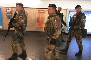 Militari fermano somalo in Cadorna