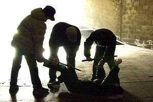 Polizia arresta i membri di una baby gang Baby gang accoltella coetaneo a Lambrate
