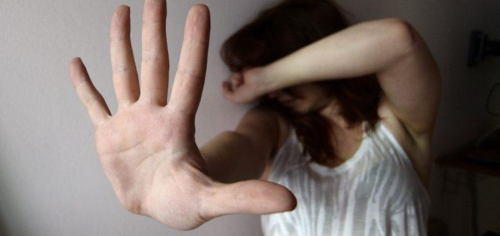 parto violenza donne Salvadoregno