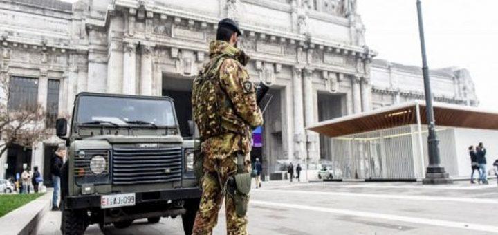 Siriano e algerino aggrediscono e feriscono vigilante in Stazione Centrale La volante, durante il controllo del territorio, è stata allertata da due militari dell'Esercito che hanno notato e bloccato il soggetto Controlli straordinari furto latitante bosniaca libico stazione centrale militari