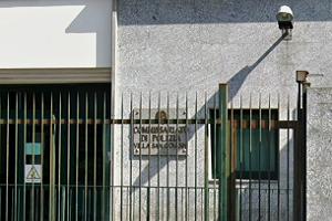 Tunisino arrestato per rapina Incendio in appartamento, Polizia salva coppia di anziani Estorsione agli anziani genitori commissariato villa san giovanni quinto mese di gravidanza