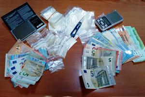 dieci arresti