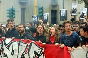 Manifestazione degli studenti a sostegno del popolo curdo