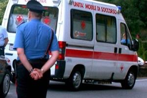 ambulanza caduta da quinto piano