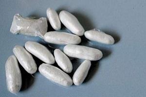 Marocchino fermato con 47 dosi di cocaina muore dopo avere ingoiato della cocaina