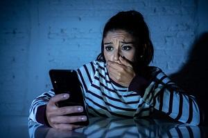 Minaccia la ex fidanzata, arrestato 170 messaggi al giorno stalking