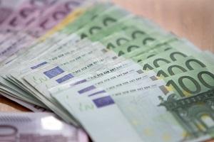 Trovati in un muro 15 milioni in contanti della criminalità organizzata Trova portafoglio con 4.000 euro e lo consegna alla Polizia