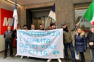 Presidio di Fratelli d'Italia davanti alla sede di MM spa