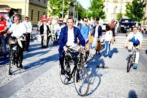 Sala vuole una ripartenza in bicicletta Il 2 febbraio Sala mette a piedi i milanesi