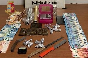 Pluripregiudicato arrestato per spaccio al Corvetto