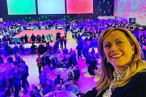 Milano abbraccia Giorgia Meloni