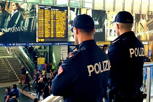 Arrestata borseggiatrice bosniaca, De Corato: la quarantesima in un anno Stazione Centrale, arrestati due borseggiatori Borseggiatore libico arrestato in Stazione Centrale polizia