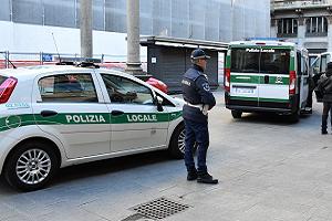 Controlli della Polizia Locale in Piazza Mercanti
