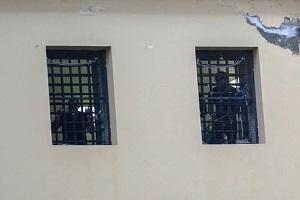 Rivolta a San Vittore, in 15 sul tetto
