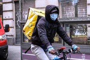 Sciopero della rete Rider x i diritti Aperta indagine fiscale sull'utilizzo dei rider Uber commissariata: 21 rider in udienza Primo immigrato contagiato, preoccupazione per i rider