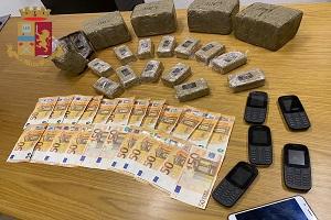Tre arresti per spaccio a Baggio e al Giambellino grazie a Youpol