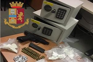 Cocaina, armi e munizioni, quattro arresti