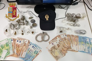 Arrestati due pusher in trasferta