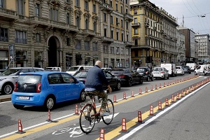 Commercianti contro la ciclabile di Corso Buenos Aires