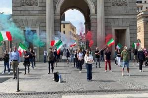 Le Mascherine Tricolori tornano in Piazza XXV aprile