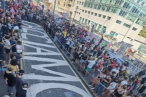 Maullu (FdI): manifestino contro il Governo. Sardone (Lega): spreco di denaro pubblico. Gelmini (FI): caccia alle streghe