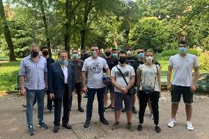 Piazza Insubria: sit-in di cittadini e Fratelli d'Italia per la sicurezza
