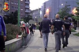 Controlli straordinari di Polizia in Piazza Bottini
