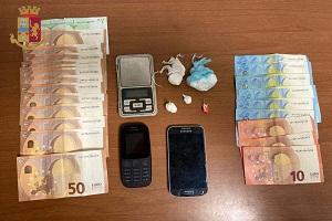 Due arresti per spaccio in via Salomone