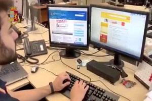 La Polizia smantella un gruppo dedito a frodi e truffe online