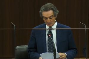 Respinta la sfiducia a Fontana. Contestazione dei CARC Le dichiarazioni di Fontana in Consiglio Regionale