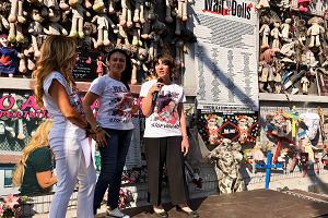 Incendio al muro delle bambole: denunciati due giovani
