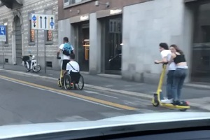 Sala: via la licenza a chi ha messo in giro più monopattini del previsto In due mesi 533 feriti in bicicletta e monopattino De Corato (FdI): monopattini usati fuori da ogni regola