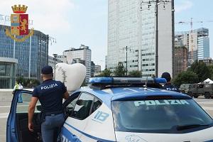 polizia centrale pirelli Arrestato mentre tenta di derubare un tassista