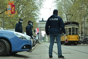 Movida: 250 controlli, 39 multe per mancanza della mascherina, sventata un'aggressione