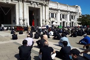 Sciiti celebrano l'Ashura in Stazione Centrale