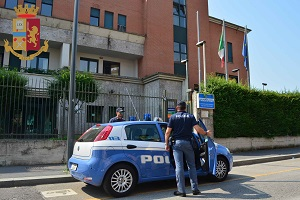 Arrestati due spacciatori in scooter