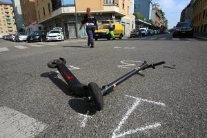 Grave incidente in monopattino. Dure reazioni del centrodestra