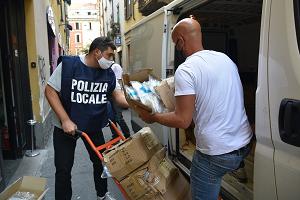 Chiuse due discoteche e sequestrati 320.000 guanti di plastica non a norma