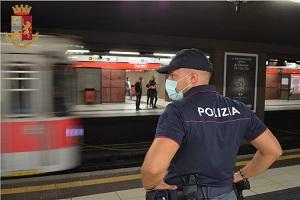 Spacciatore gambiano arrestato sulla metropolitana