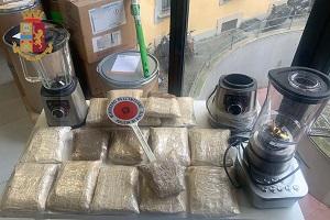 Scoperta una raffineria di droga