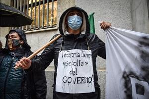 Protesta dei ristoratori sotto la Prefettura