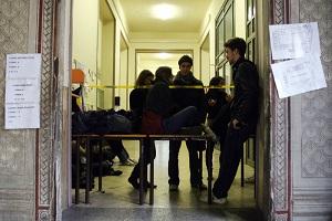 Il Liceo Manzoni fa marcia indietro sulla media del 9