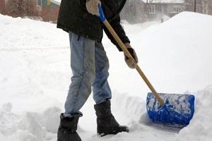 Appello del 118: i cardiopatici non spalino la neve